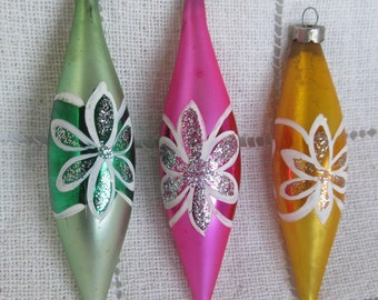 Vintage 1960's Poland, Set Of 3 Teardrop Christmas Ornaments In Box, Hand Painted Flowers And Glittered