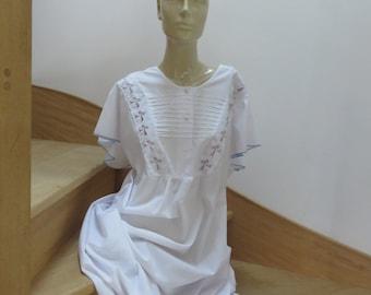 Long Vintage Nightgown - Romantic Decor -