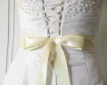 "Ivory Wedding Sash, 1 1/2"" or 2 1/4"" Wide, 2-4 Yards, Satin Sash, Bridesmaids Flower Girl Sash, Dress Sash, Bridal Belt, Ivory Wedding Belt"