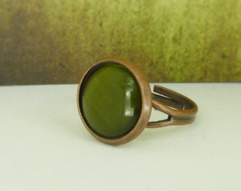 Cabochon Ring / green ring / copper ring / adjustable ring / cateye / green , oliv / gift for her / gift under 10