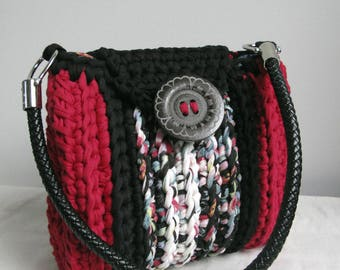 Print and Red crocheted shoulder bag floral