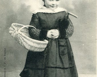 Little peasant with basket
