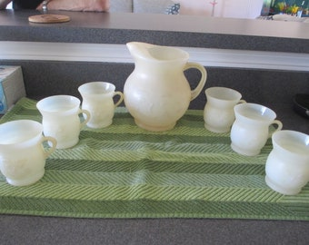 Vintage KOOL AID PITCHER and 6 Matching Cups, Retro, Blow Mold Plastic