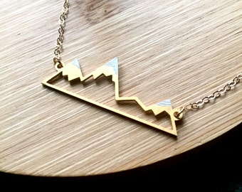 Mountain Necklace / Snowy Mountain Necklace / Gold Mountain Range Necklace / Dainty Mountain Pendant / Snowy Mountain Top / Hiking Necklace
