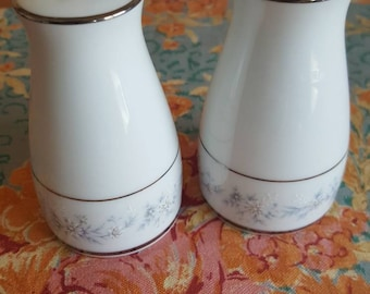 """RARE Vintage Noritake Handpainted """"Marywood"""" Salt & Pepper Shakers Classic Daisy Elegant Dining Holiday Easter Tablesetting"""