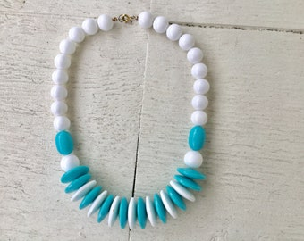 50s white beaded necklace / vintage blue round bead chunky necklace