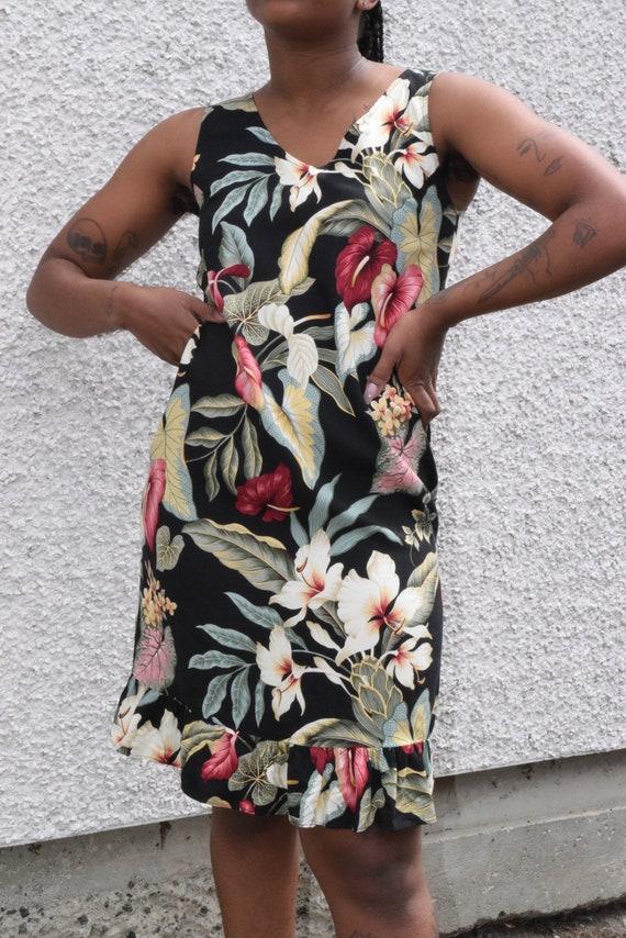 Petite Tropical Palm Leaf Sleeveless Dress.