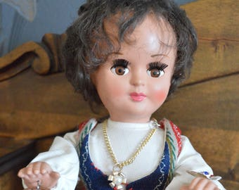 Vintage Doll from Finland.  Paulig, Paula girl. Collectible folk doll from Finland. Dollytex. Coffee. Suomi neito.