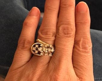 MAY SALE Vintage Statement Gold Tone Ring w/Beautiful Rhinestone Inlay / Basket of Rhinestones Ring