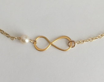 Infinity Bracelet. Pearl Bracelet. Gold Vermeil Infinity. Gift for Wife.Mom.Sisters.Bridal Jewelry.Figure 8. Layer Bracelet. Gold Filled