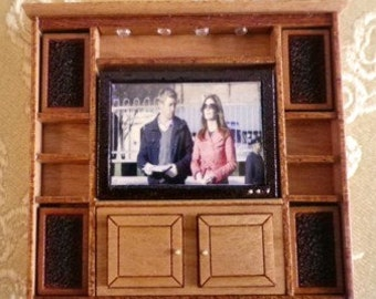 Entertainment Center Kit with TV and 4 speakers - Quarter Scale