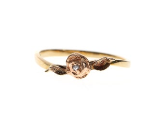 V I N T A G E // 10k rose / yellow gold with a diamond solitaire / flower design ring / size 6.5