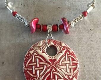 Collier ras de cou -Pendentif noeuds celtiques en céramique - Nouvelle collection