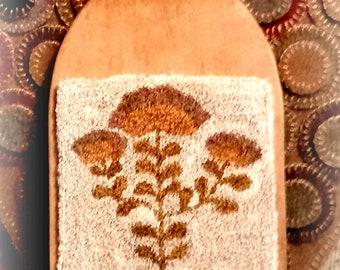 PUNCH NEEDLE Gold Fraktur Flower Mailed Pattern