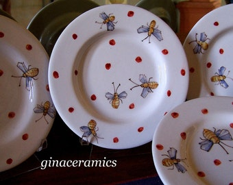 Majolica 4 charming, hand painted Ceramic Bumble Bee plates