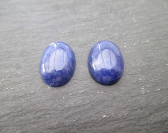 Lapis lazuli: 1 cabochon 14 mm * 10 mm