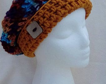 Beret with square button