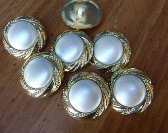 8 Gold Flashing Round Shank Buttons Size 15/16""