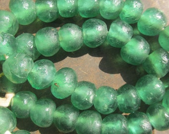 """African recycled glass beads, extra large (20 mm diam.), 1 strand, 8"""", 13 beads, emerald green"""