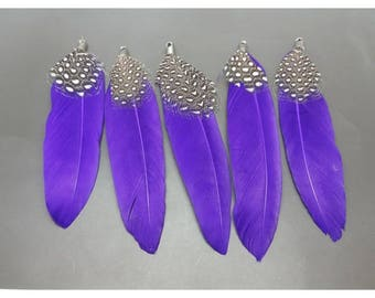 10 purple feather pendants