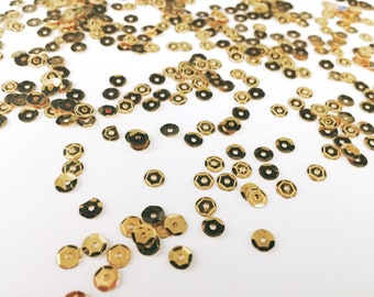 Pale Gold Yellow Shimmering Party Packs Shinny Sparkling Holographic Sequins in lot ( 5mm)
