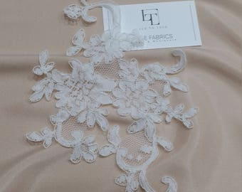 Ivory Lace applique, Ivory lace, French Chantilly lace applique, 3D lace, bridal applique, Applique M0075