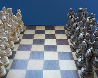 GAME  of  THRONES-in Stone /Ivory Finishes  chess set