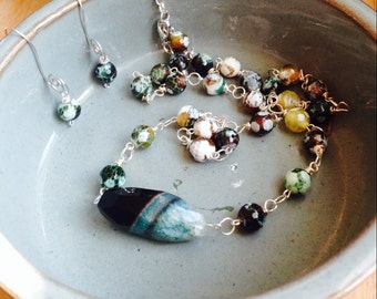 A summer Breeze necklace and earrings