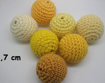 7 beads (2.7 cm) in crochet cotton