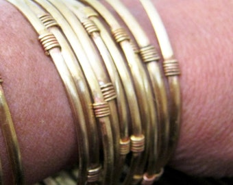 Brass bangles. Stackable . Narrow brass bangle with wire details. - SINGLE BANGLE