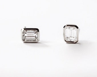 14k gold 1 carat emerald cut diamond stud earrings