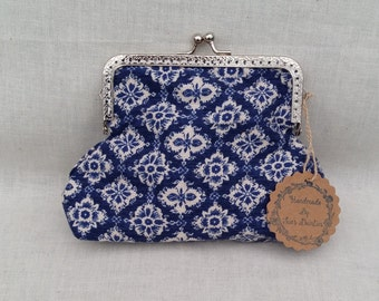 Blue and Cream Floral Kiss Clasp Make Up Bag/Large Kiss Clasp Purse