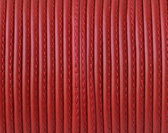 Flat leather - 2mm - with side seam - red - 20cm - CP217RG0150