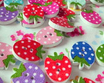 Strawberry shapes 1cm buttons 2 hole (set of 10)