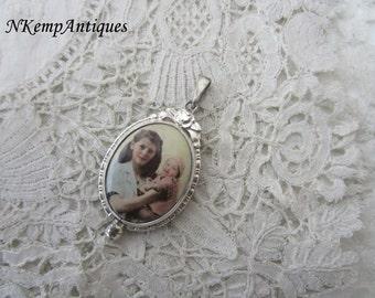 1930's keepsake pendant