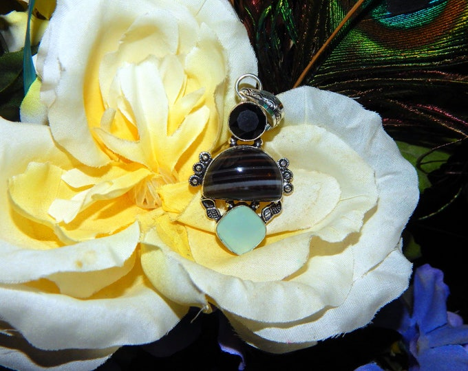 Werecat White Tiger Shifter inspired vessel - Handcrafted Chalcedony Agate pendant with chain