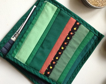 Green Stripes Hot Pad Set