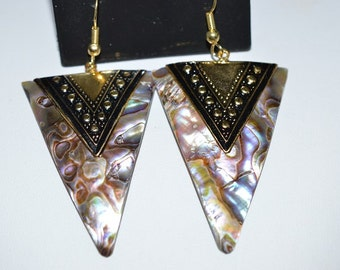 Beautiful Vintage Abalone shell, Antique Silver, Egyptian style  Earrings (1017355)