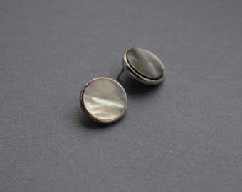 """Stud earrings """"Full moon"""" silver with mother of pearl,round.minimalism. white nacre. handmade jewelry"""