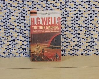 The Time Machine - H.G. Wells - Vintage Paperback Book - hg wells