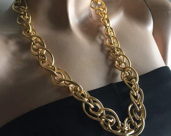 Goldtone necklace from the '80's