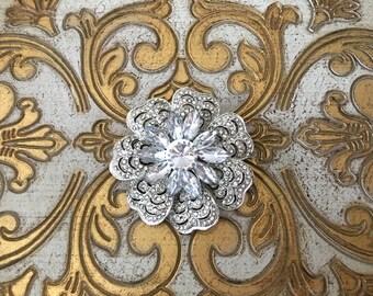 Rhinestone Flower Brooch.Rhinestone Brooch.Crystal Flower Brooch.Broach.Rhinestone Pin.Silver Brooch.Art Deco Style.Vintage Style.Nouveau