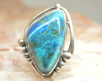 Chrysocolla ring, Silver Ring 8, triangle chrysocolla cabochon, Blue triangular ring, gemstone ring, blue green stone ring,
