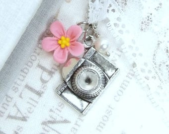 Camera Gift Camera Charm Necklace Photographer Gift Camera Jewelry Pink Daisy Necklace Photography Jewelry