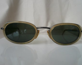 Vintage Giorgio Armani ladies sunglasses, double rimmed, grey lens