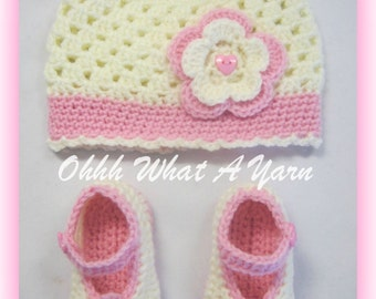 Crochet baby girls cream and pink cloche hat and matching shoes with flower trims