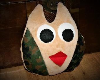 Owl Fleck, owl pillow camouflage