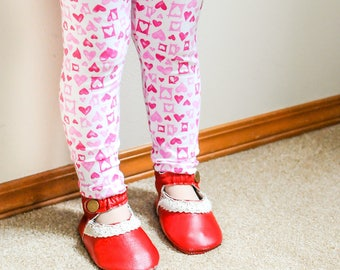 Valentine's Leggings, Baby Valentine's Outfit, Hearts Leggings, Pink and Red Leggings, Toddler Valentine's Outfit, Hearts Pants, Hearts Baby