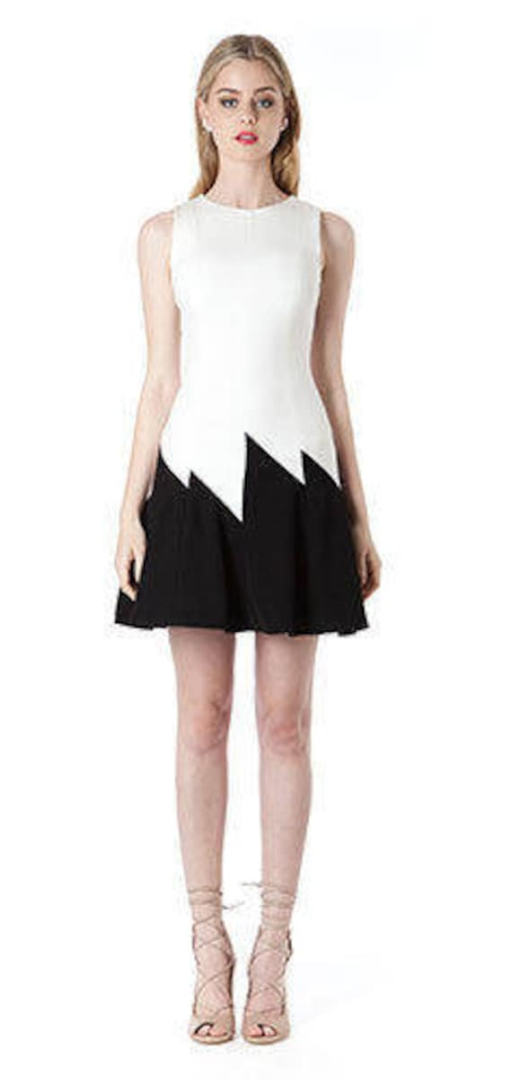 Gorgeous Elliatt Spade black and white dress size small new with tags