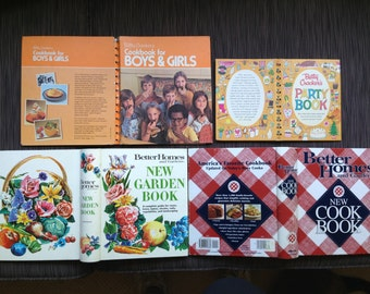 Cook Books, Better Home Garden, Betty Crocker, Fisher Price, Boy Girl, America Tale Taste, Junior Cook, Cooking w Soup, Red & White, VINTAGE